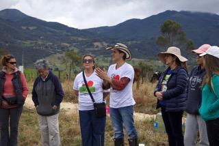 1ª siembra de arboles Fundación Contamos Contigo Colombia y  Ariel Escuela para el Alma